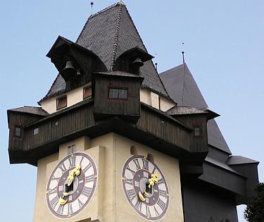 Attraits touristiques en Autriche : Schlossberg Graz et la tour de l'horloge de Graz with the Clock Tower