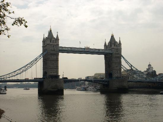 Attraits touristiques à Londres UK : The Tower bridge of London